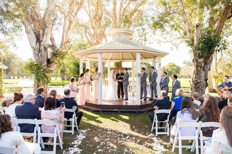 Wedding Venue - Redland Bay Golf Club - Marquee 1 on Veilability