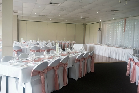 Wedding Venue - Redland Bay Golf Club - Fountain Room 2 on Veilability