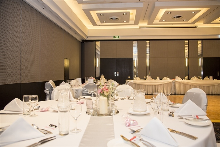 Wedding Venue - Mantra on View Hotel - Boulevard Ballroom 9 on Veilability