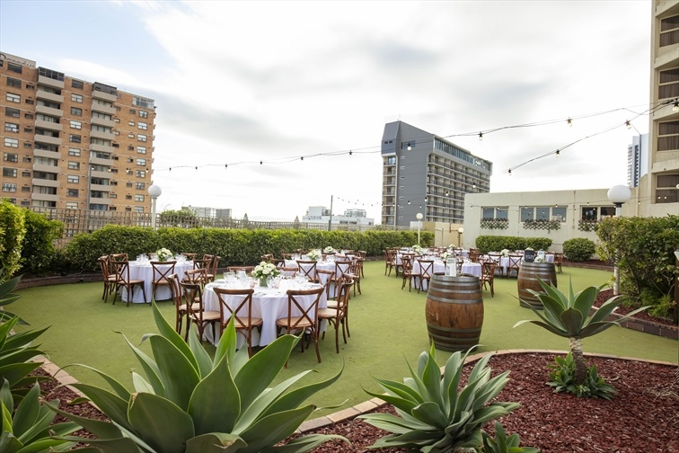 Wedding Venue - Novotel Surfers Paradise - The Green 6 on Veilability