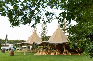Wedding Venue - Novotel Twin Waters Resort - The Lawn / Exclusive Beach 1 on Veilability