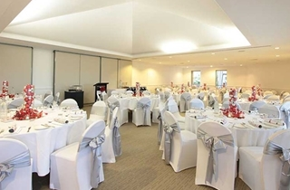 Wedding Venue - Twin Waters Golf Club - Main Function Room 4 on Veilability