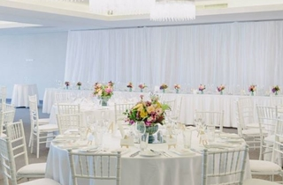 Wedding Venue - Gambaro Hotel - Josie's Room 2 on Veilability