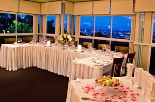 Wedding Venue - Summit Restaurant & Bar - Fountain View Function Room - Lower Level 5 on Veilability