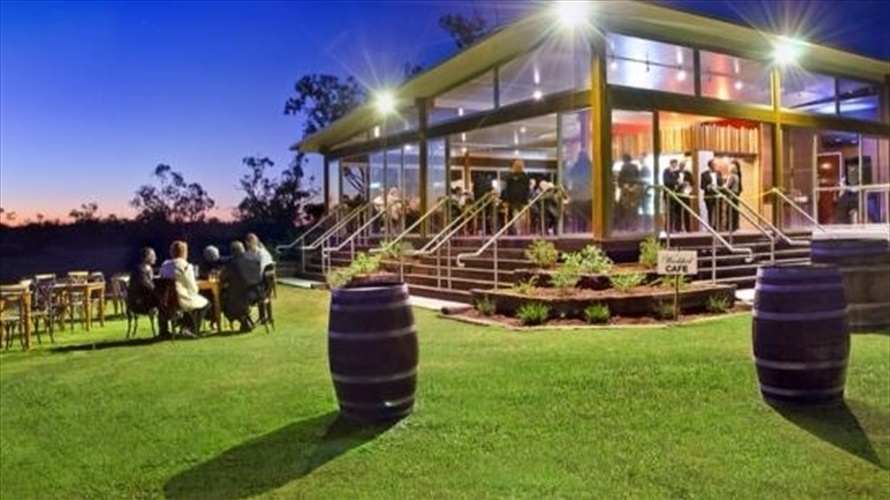 Wedding Venue - The Woolshed at Jondaryan - The Cafe 4 on Veilability