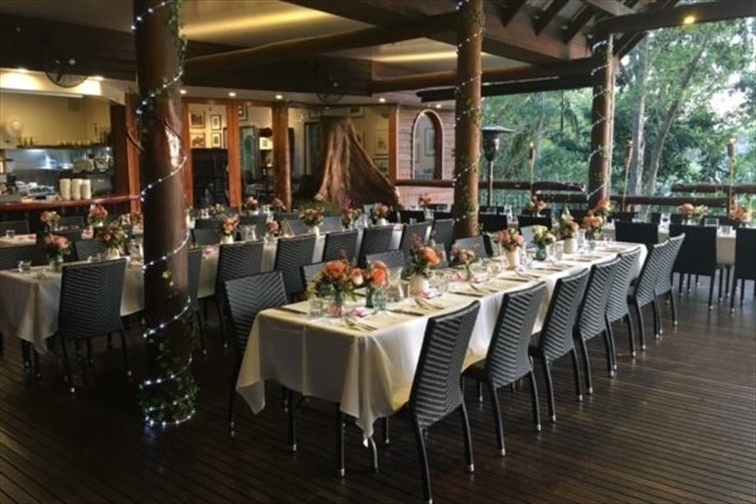 Wedding Venue - Secrets on the Lake - Cafe Deck 5 on Veilability