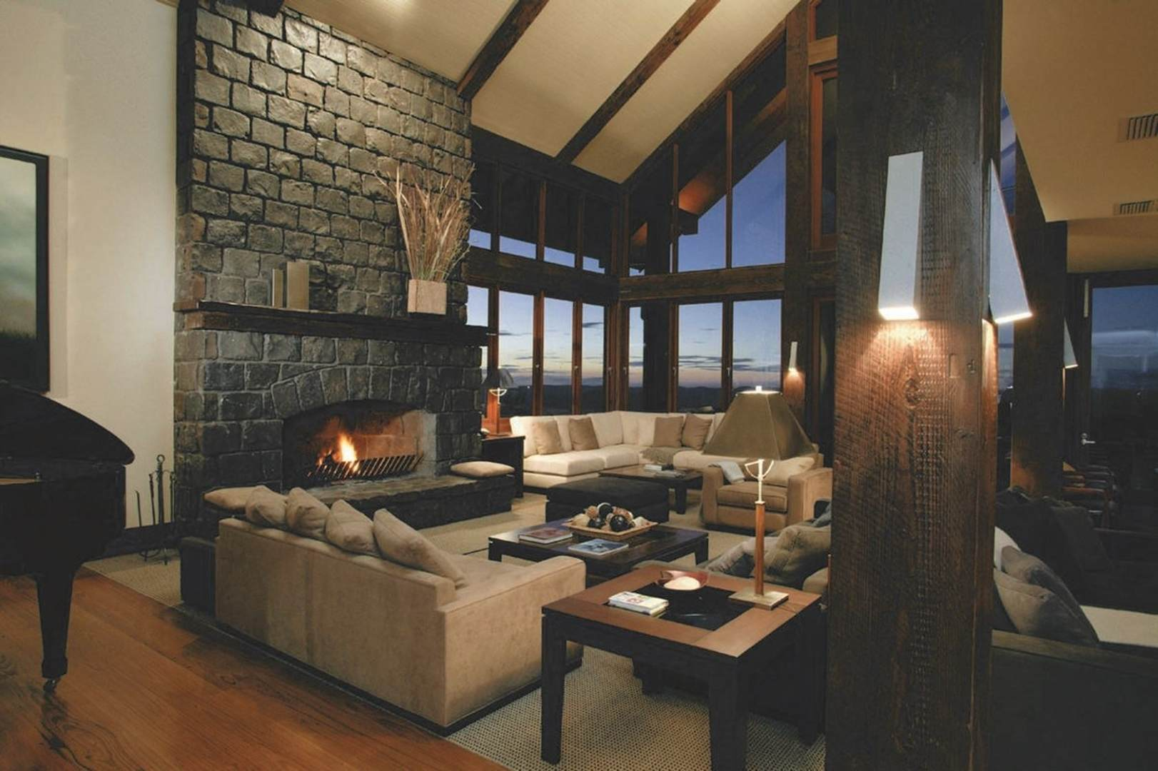 Wedding Venue - Spicers Peak Lodge - The Lounge 1 on Veilability