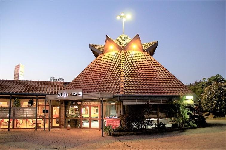 Wedding Venue - Lloyds Restaurant & Function Centre 3 on Veilability