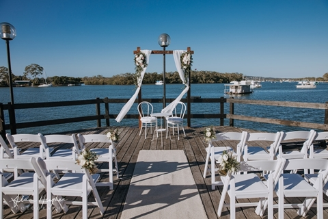 Wedding Venue - The River Deck Restaurant - River Deck Restaurant 25 on Veilability