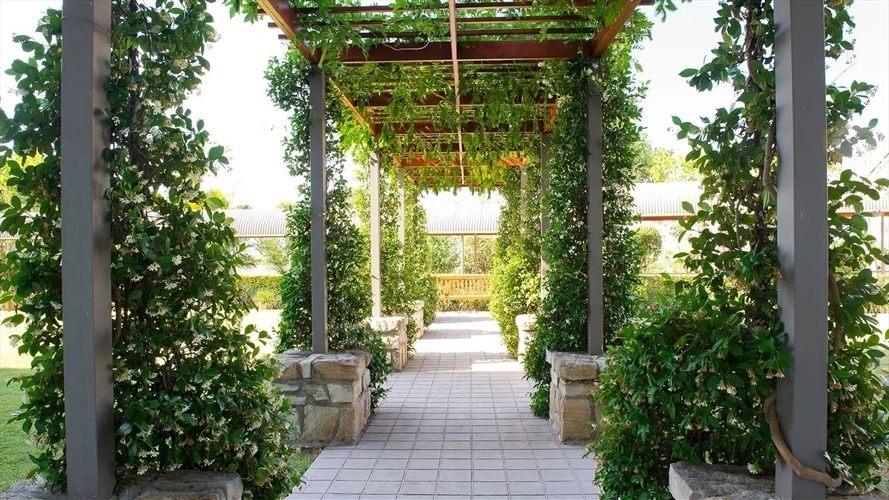 Wedding Venue - Mercure Clear Mountain Lodge, Spa & Vineyard 10 on Veilability