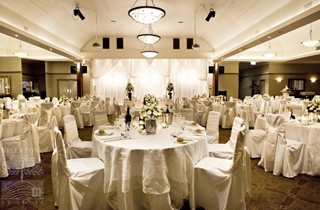 Wedding Venue - Hillstone St Lucia - The Grand View Room 2 on Veilability