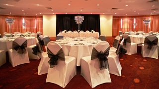 Wedding Venue - Novotel Surfers Paradise - Wavebreak and Miami Room 2 on Veilability