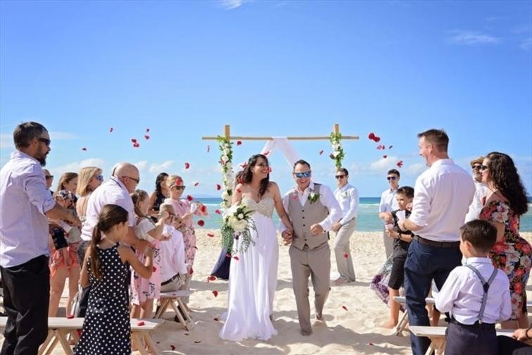 Wedding Venue - Stradbroke Island Beach Hotel 9 on Veilability