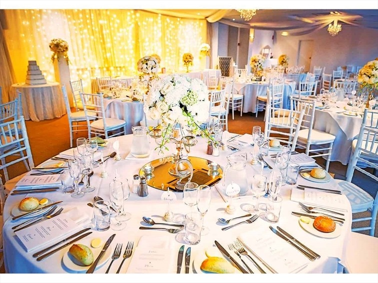 Wedding Venue - Mercure Clear Mountain Lodge, Spa & Vineyard - Serenity Function room 1 on Veilability