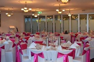 Wedding Venue - Full Moon Hotel - The Sandgate Room 3 on Veilability
