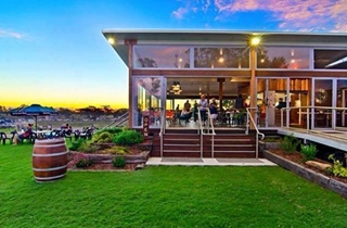 Wedding Venue - The Woolshed at Jondaryan - The Cafe 1 on Veilability