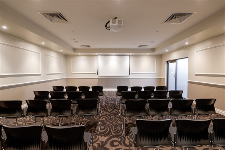 Wedding Venue - Runcorn Tavern Reception Centre - The Gowan Room 1 on Veilability