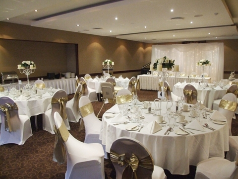 Wedding Venue - Quality Hotel Mermaid Waters - Markeri Room 1 - Wedding on Veilability