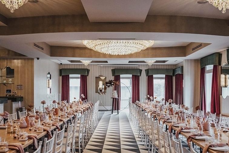 Wedding Venue - Cloudland - Alice Room 4 on Veilability