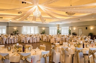 Wedding Venue - Hillstone St Lucia - The Grand View Room 1 on Veilability