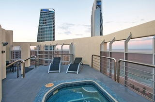 Wedding Venue - Novotel Surfers Paradise - Penthouse Weddings 4 on Veilability