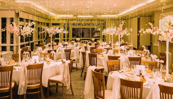 Wedding Venue - Summit Restaurant & Bar - Fountain View Function Room - Lower Level 2 on Veilability