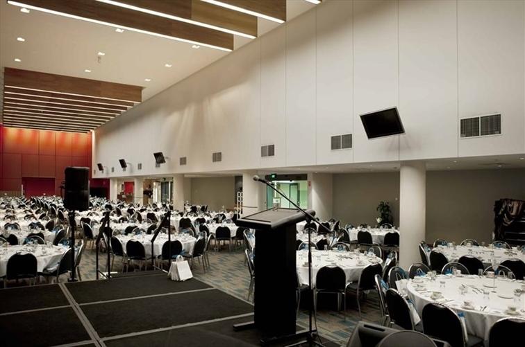 Wedding Venue - Suncorp Stadium 6 on Veilability
