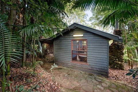 Wedding Venue - Mt Glorious Getaways - Smaller weddings: The Overflow 1 on Veilability