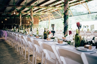 Wedding Venue - Mavis's Kitchen & Cabins - The Barn 3 on Veilability