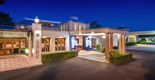 Wedding Venue - Shangri La Gardens  - Regency Room 5 - Regency Room Porte Cochere on Veilability