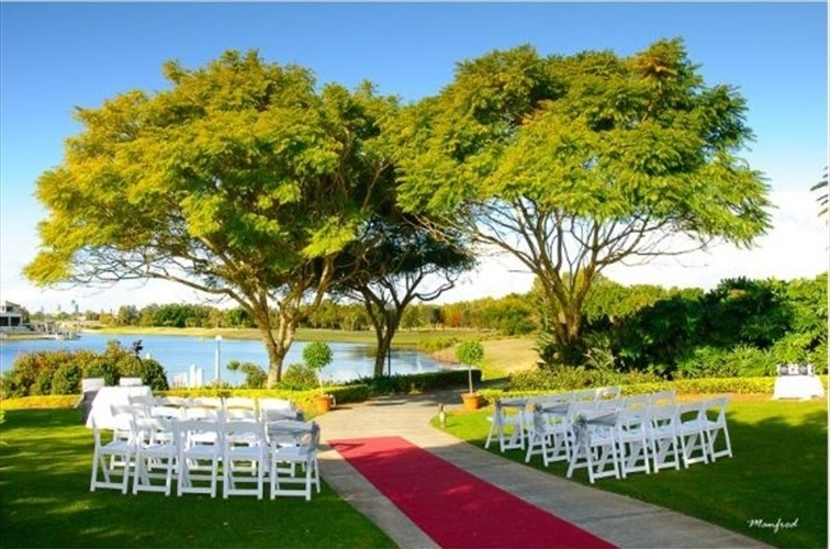 Wedding Venue - Lakelands Golf Club 29 on Veilability