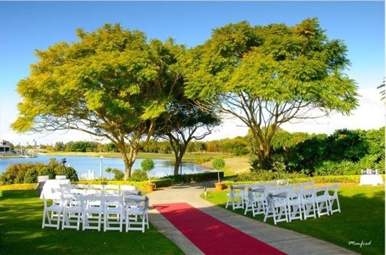 Wedding Venue - Lakelands Golf Club 26 on Veilability