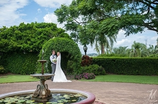 Wedding Venue - Newstead House - Fountain Courtyard 1 - Fountain Courtyard on Veilability